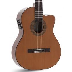 Guitarra Clasica ADMIRA Juanita Electrificada Cutaway (Fishman) Foto: C:QuerryFotos Web\Guitarra Clasica ADMIRA Juanita Electrif