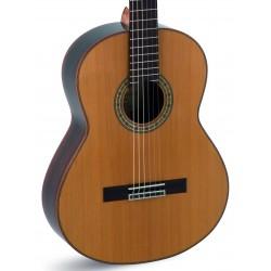 Guitarra Clasica ADMIRA A10 Electrificada (Fishman) Foto: C:QuerryFotos Web\Guitarra Clasica ADMIRA A10 Electrificada (Fishman)