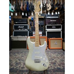 Guitarra Electrica FENDER Custom Shop Masterbuilt Salute Stratocaster Ltd. White Gold Yuri Shishkov Foto: \192